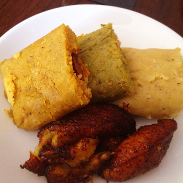 Humita, Green Tamale, Peruvian Tamale W/Platano Frito