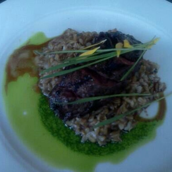 hangar steak w/bluebird farro