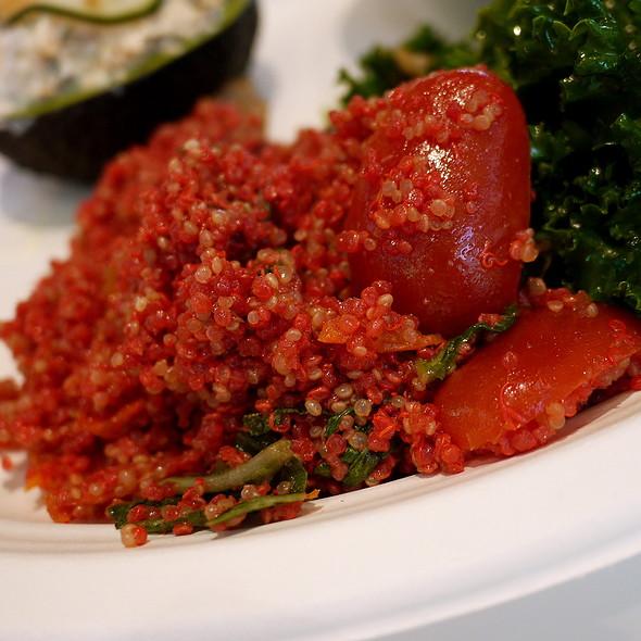 Red Quinoa, Cherry Tomato, Basil, Sundried Tomato Dressing
