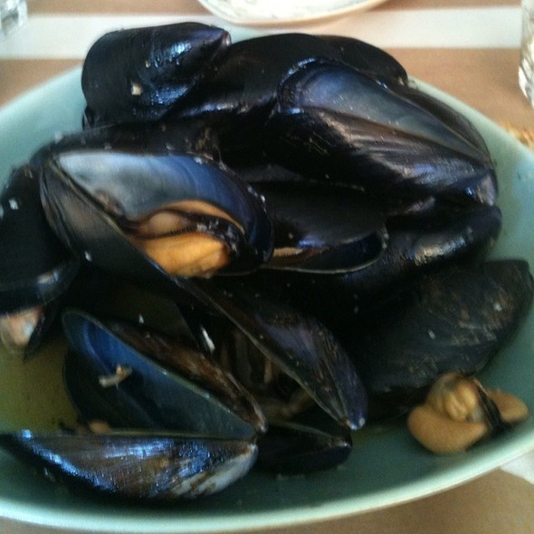 Steamed Mussels @ Σαρδελάκι