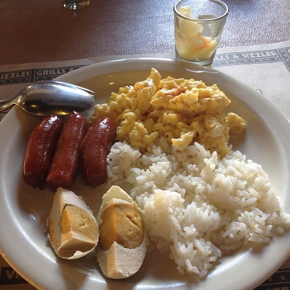 Breakfast Buffet @ Grills And Sizzles Steakhouse
