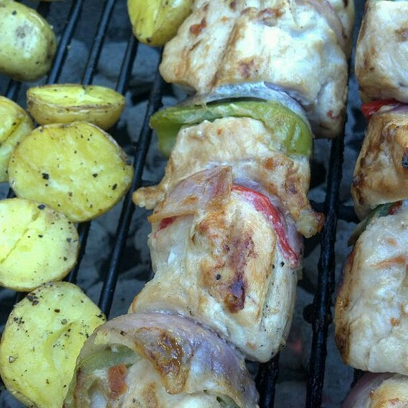 Baby Yukon Gold Potatos W/Chicken @ Pig On The Porch