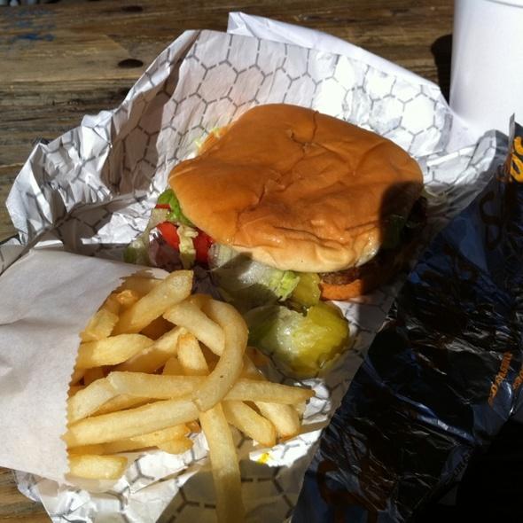 Cheeseburger @ Sandy's Hamburgers