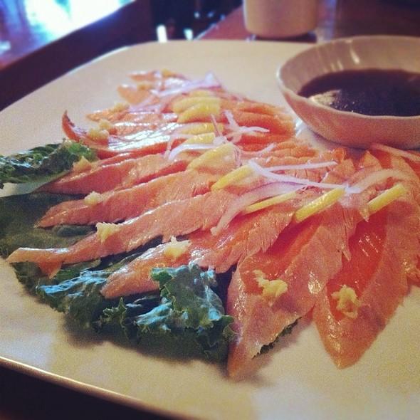 Salmon Tataki @ Towa Sushi