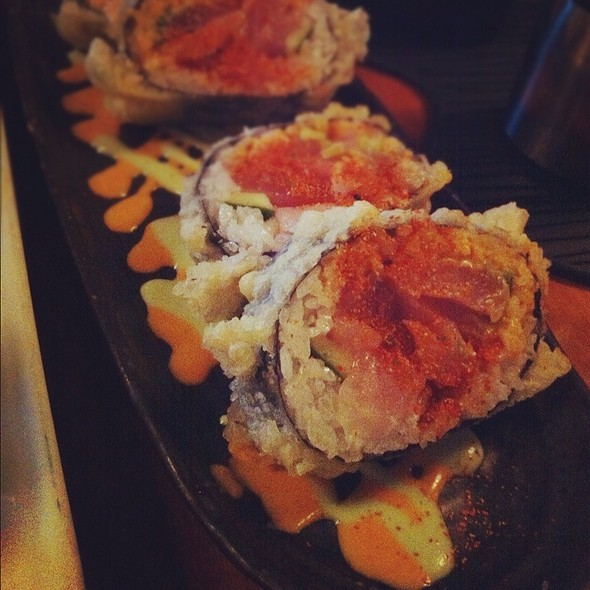 Spicy Tuna Tempura Roll @ Towa Sushi