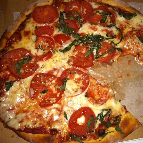 Pizza Margherita @ Di Napoli Ristorante & Pizzeria