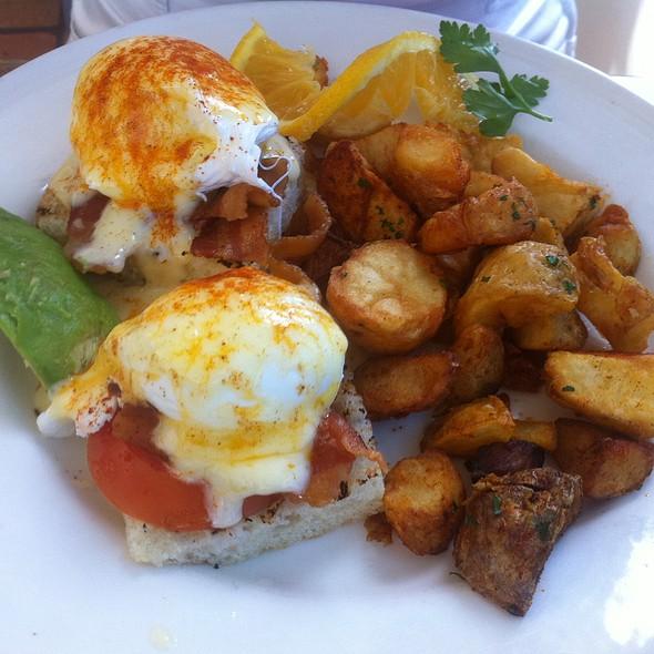 Eggs Benedict - World Famous, San Diego, CA