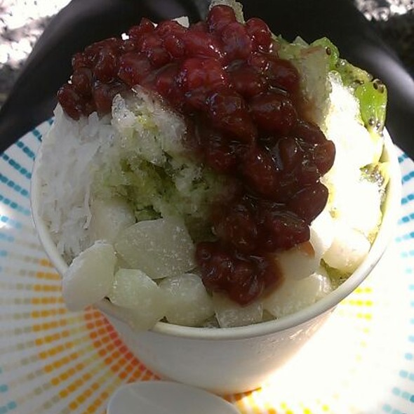 Green Tea Shave Ice With Red Bean, Kiwi Ans Coconut @ Milk & Honey