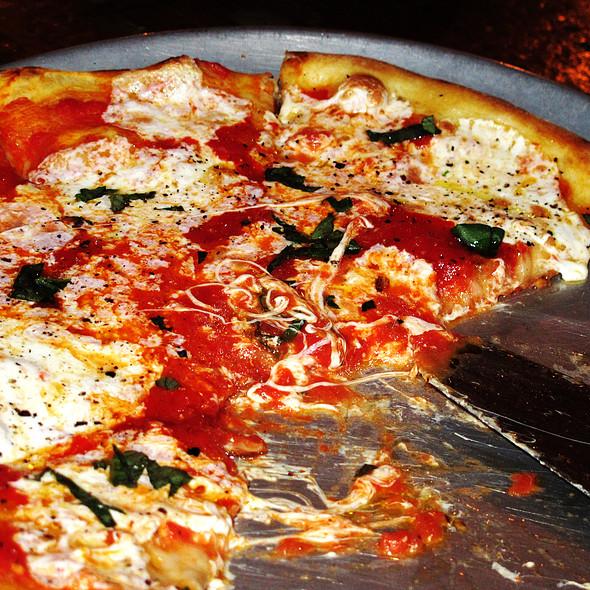 Pizza Margherita - Acqua Restaurant NYC, New York, NY