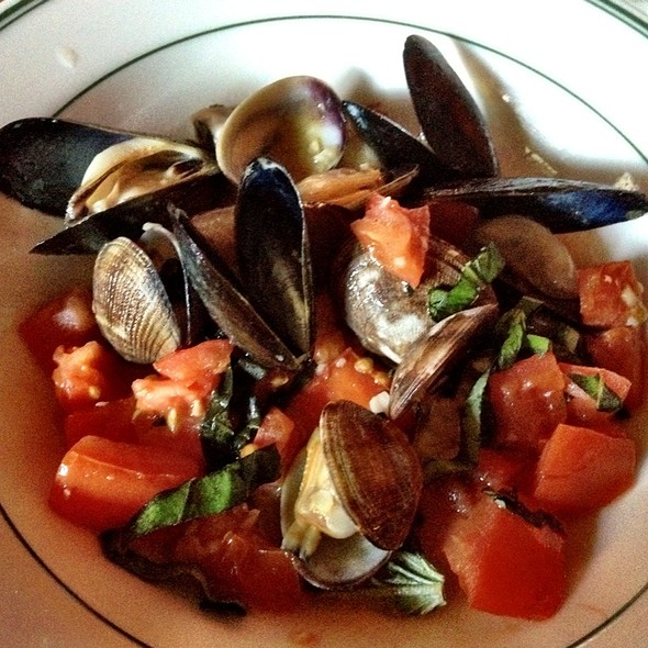 Clams & Mussels - IL BISTRO, Seattle, WA