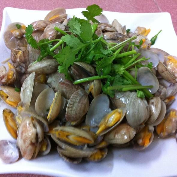 姜丝炒拉拉 @ Fish Village Seafood Sdn Bhd