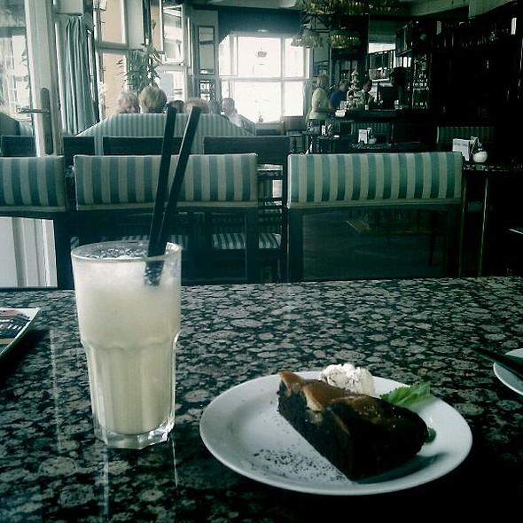 Milkshake Vanille & Gâteau Chocolat Pommes