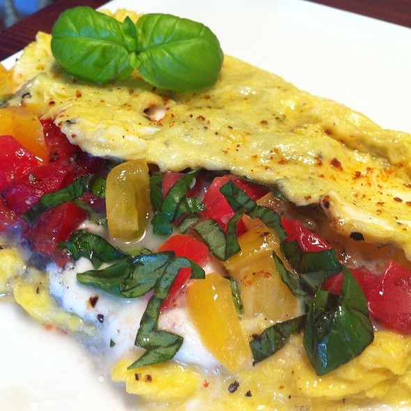 Caprese Omelette @ Giddy Gastronaut Kitchen