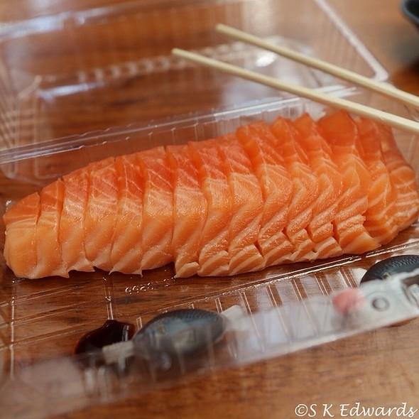 Salmon Sashimi @ Sydney Fish Market