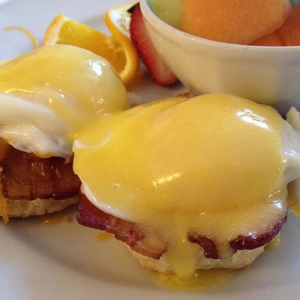 Eggs Benedict - Crossroads Chapel Hill, Chapel Hill, NC