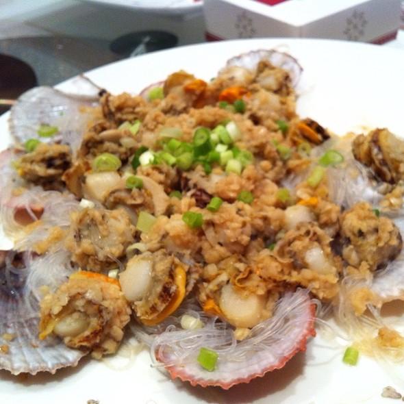 Fresh Steamed Whole Scallops @ Seaview Garden Restaurant