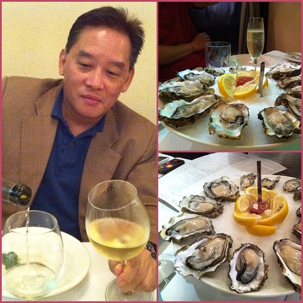 2 Dozen Oysters On The Half Shells @ The Steak & Oyster Bar