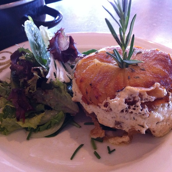Goat Cheese Tartine @ Cafe D'Alsace