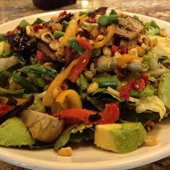 California Pizza Kitchen Roasted Veggie Salad Half