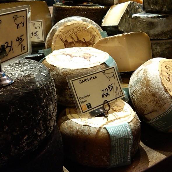 Cheese @ Cowgirl Creamery