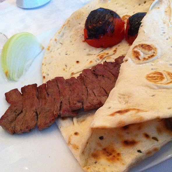 Chelo Kebab Barg @ Zartosht