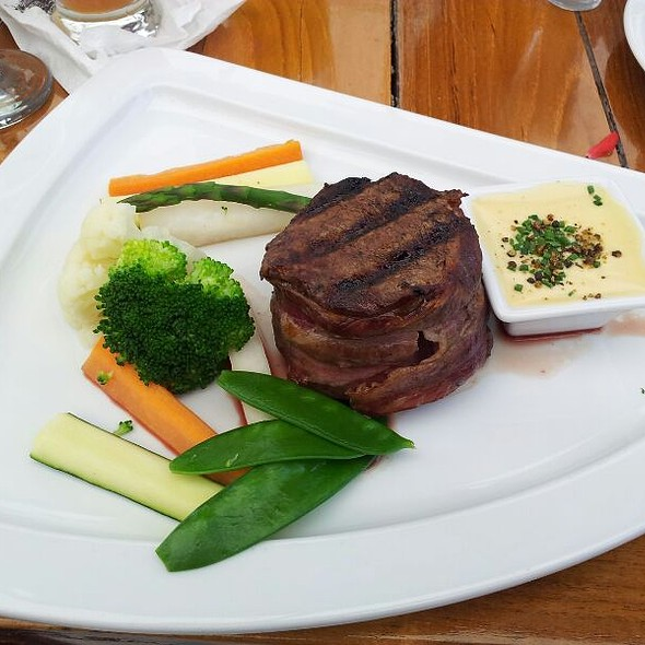 Beef Steak Wrapped In Bacon, Served With Bernaise Sauce And Fresh Vegetables @ Hotel U prince