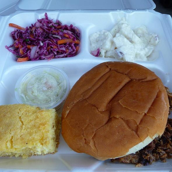 Pulled Pork Sandwich @ Dr. Frank 'n' Swine BBQ