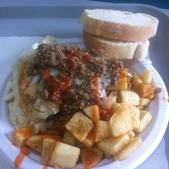 Cheese Burger Garbage Plate @ Nick Tahou Hots