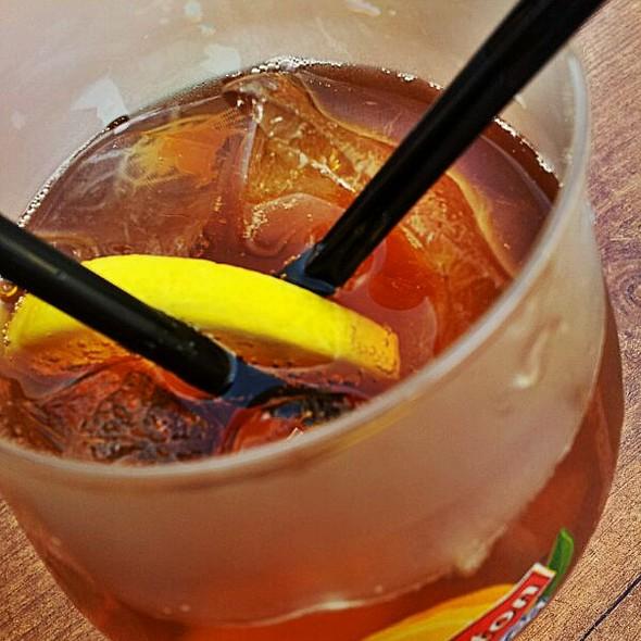 Lipton ice tea @ Restaurant Pub Henry VIII