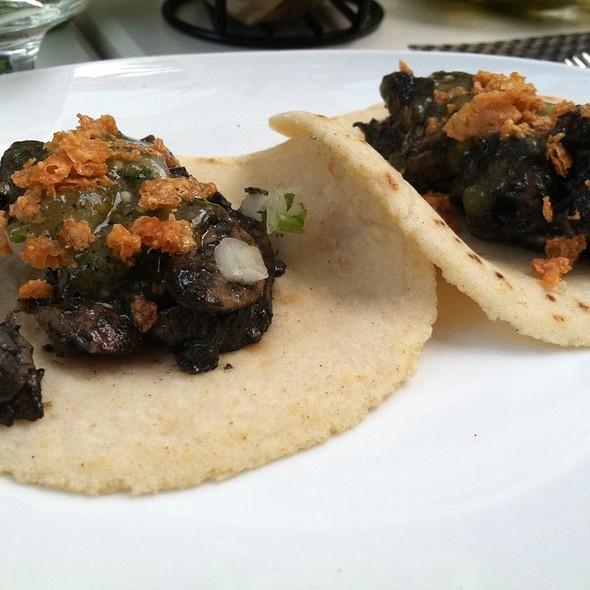 Tacos de Hongos @ Mercadito Midtown