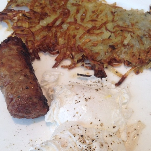 2 Eggs, Banger Sausage, Hashbrowns + Toast @ Central 214