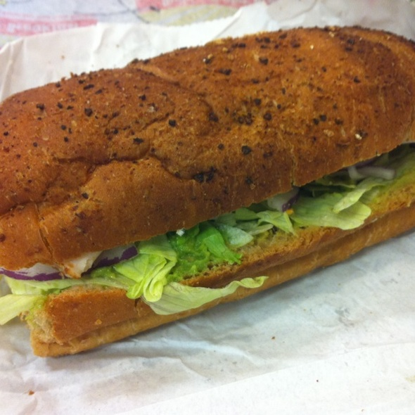 Turkey, Bacon, Avacado Sandwich @ Subway