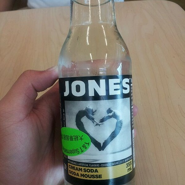 Jone's Cream Soda @ Home