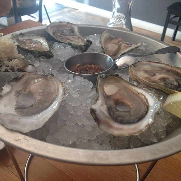 Oysters - Hopgood's Foodliner, Toronto, ON