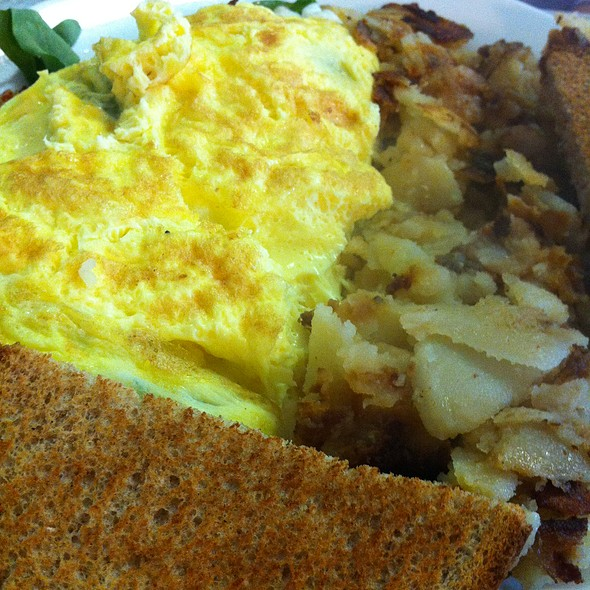 Philly Cheesesteak Omelette @ Annamarie's Place