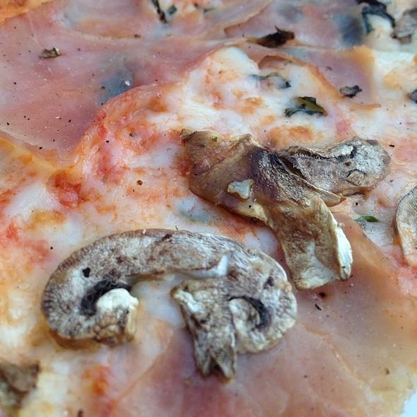 Alla Roberto Pizza @ vivoli
