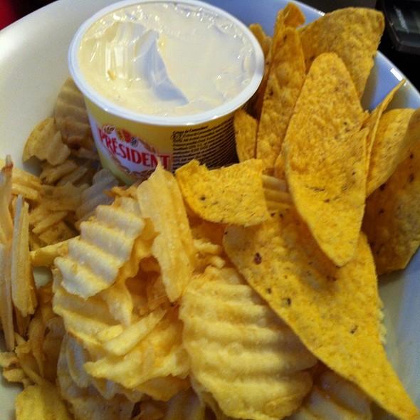 President Creme De Camembert & Chips @ Chookys