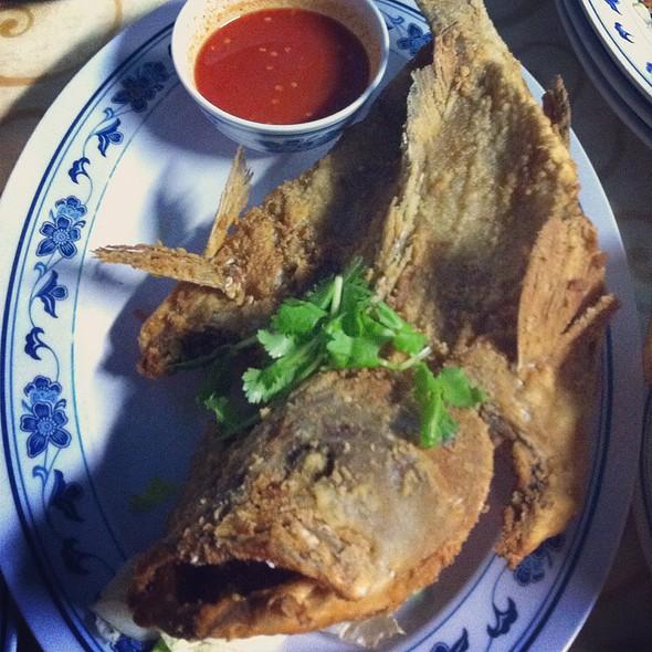 Deep Fried Snapper @ Bei Sheng Seafood Restaurant 北腾泰国小食