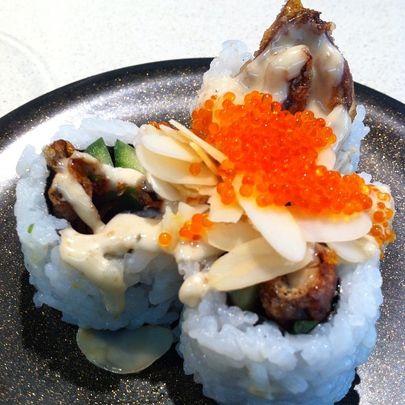 Soft-shell Crab Roll