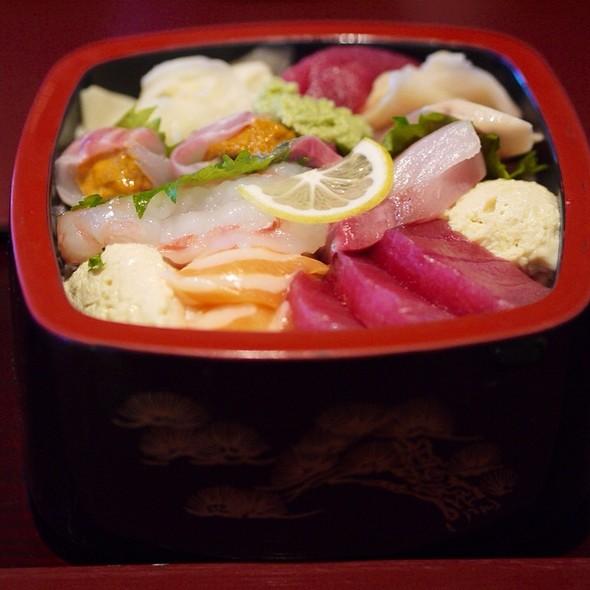 KCOs Favorite Chirashi Sushi - Mitsunobu, Menlo Park, CA