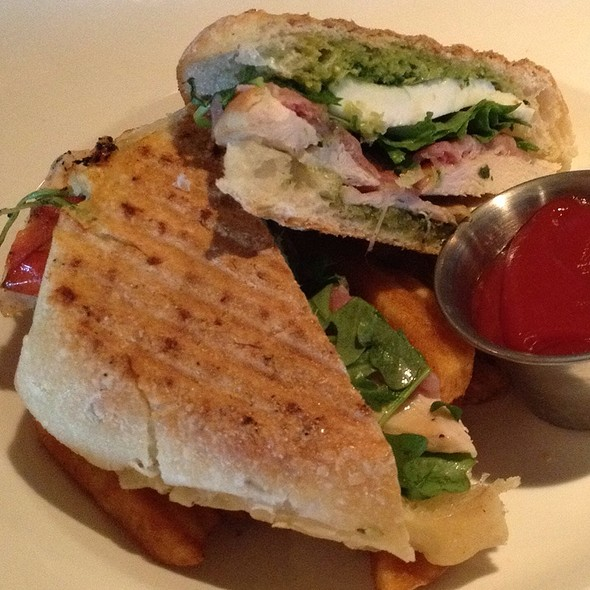 Chicken Pesto Panini @ Crystal Tavern