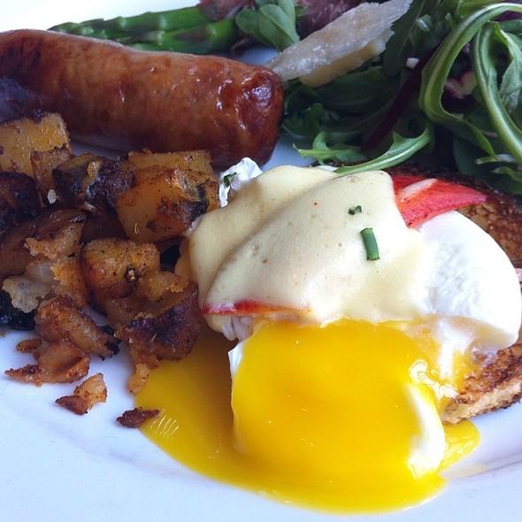 Brunch - Lobster Eggs Benedict - Hotel Fiesole - Bella Rossa, Skippack, PA