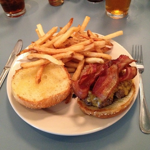 Flat-Top Cheese Burger @ The High Hat Cafe