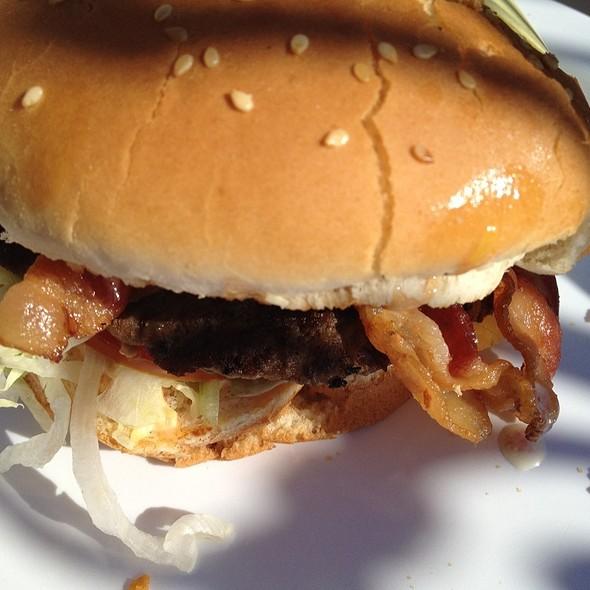 Bacon Cheese Burger @ Golden Burger