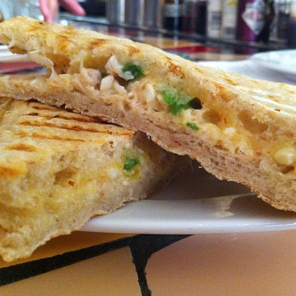 Grilled Cheese Sandwich With Maryland Crab & Snap Peas @ ripple