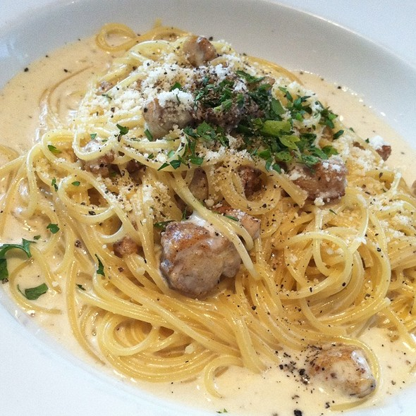 chicken-carbonara-corner-bakery