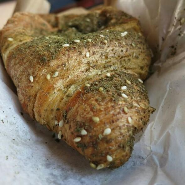 Zataar Croissant