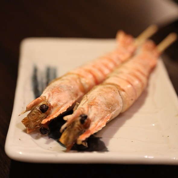 Grilled And Salt Crusted Tiger Prawns With Garlic Aioli