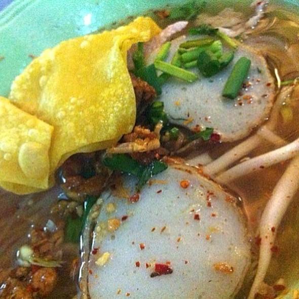 Tom Yum Pork Noodles @ เปรี้ยวปาก