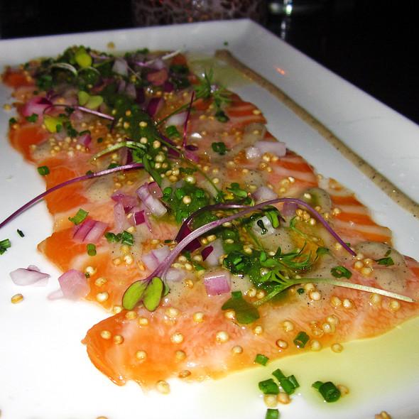 Hojas De Salmon @ Yerba Buena